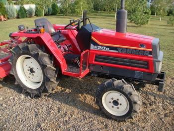 YANMAR трактор